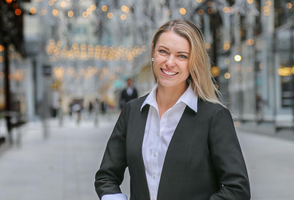 Laura Profile Picture